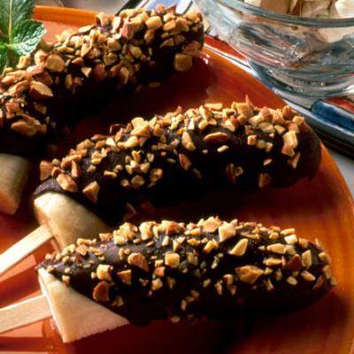 παγωμενη μπανανα με σοκολατα και ξηρους καρπους