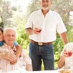 Ο Μεσογειακός τρόπος ζωής, όχι μόνο η διατροφή μειώνει την κατάθλιψη