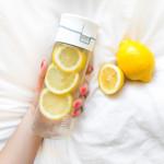 Τελικά, το νερό με λεμόνι βοηθάει στην απώλεια βάρους;