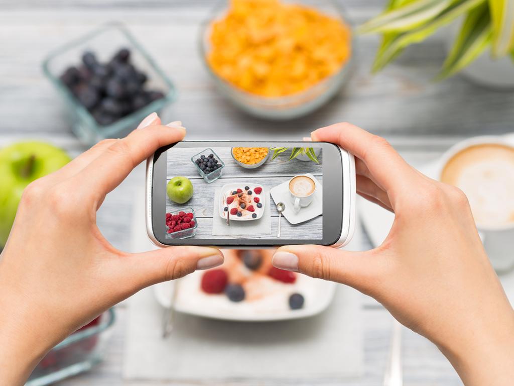 social media and diet