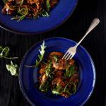 Φακές σαλάτα με μανιτάρια πορτομπέλο και ρόκα