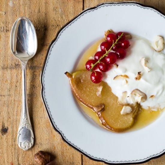 γιαουρτι με αχλαδι μελι και καρυδια