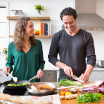 Οι άνθρωποι που αγαπούν το μαγείρεμα είναι πιο υγιείς σωματικά και ψυχικά. Γιατί;