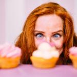 6 λόγοι για τους οποίους αποζητάτε διακαώς τη ζάχαρη