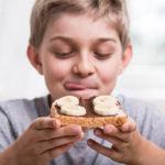 Μελέτη αποδεικνύει πως τα γονίδια επηρεάζουν την επιλογή των σνακ στα παιδιά