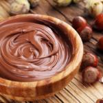 Υγιεινή πάστα σοκολάτας τύπου nutella