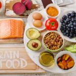 Ντοπαμίνη – Ενδορφίνες – Σεροτονίνη: Πώς να ενισχύσω τις ορμόνες της ευτυχίας μέσω της διατροφής